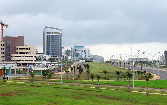 Avenida-Hassan-II-Malabo-Magno-suites