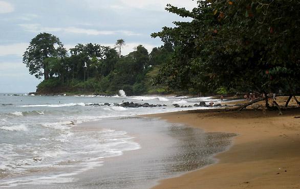 playa-arena-blanca-malabo-magno-suites