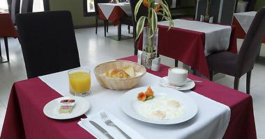 servicios-desayuno-magno-gratuito-magno-suites
